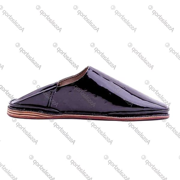 Round head slipper in shiny printed leather